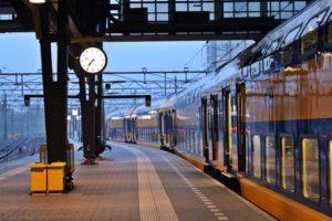 Dal Vrij: Onbeperkt treinen buiten de spits: € 102 p/m