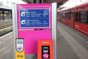OV-loket: reiziger moet meer profijt krijgen van ov-chipkaart
