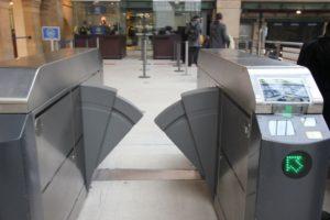 Discussie over veiligheidscontroles bij treinreizen