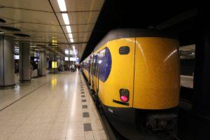 Goedkope enkele reis (€ 10,50) naar Schiphol, Rotterdam en Eindhoven