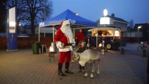 Kerstman bezoekt kleine stations rond Zwolle