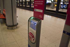 Papieren treinkaartje met korting verdwijnt door oplossing dubbel opstaptarief
