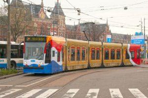 Foto: GVB zet tram in als gouden koets