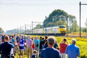 In Beeld: Afscheid Mat 64 trekt honderden liefhebbers