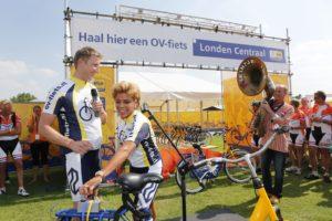 Leontien van Moorsel opent stalling OV-fiets in Londen