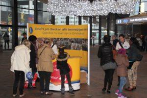 FNV: Drukte bij servicebalie door overgang naar OV-chipkaart