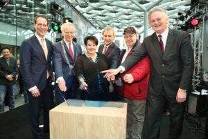 Den Haag Centraal officieel geopend: Rover niet blij