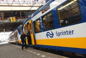 Station Almelo ontruimd door verdacht pakket