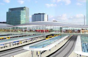 Eerste zonnecellen op perronkap Utrecht Centraal geplaatst