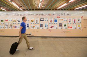 RET opent eerste virtuele winkel op Rotterdam Centraal
