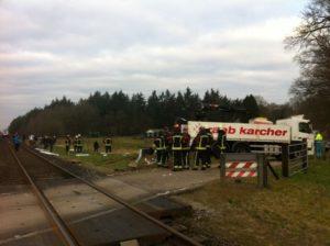 Trein ontspoord na botsting met vrachtwagen