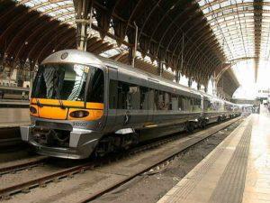 Ook Brits treinverkeer wegens storm aangepast