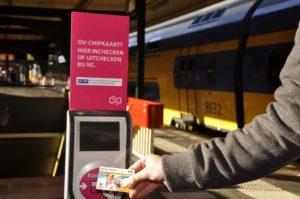 Treinkaartje populairder dan OV-chipkaart