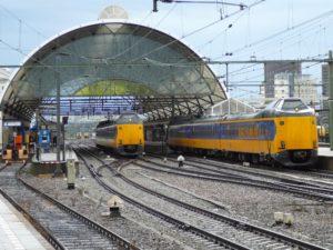 Treinverkeer Zwolle – Deventer blijft na brand voorlopig gestremd