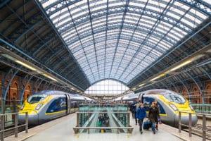 De trein of vliegen naar Londen. Kan de Eurostar de concurrentie aan?