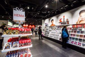 HEMA neemt 9 stationswinkels over van NS