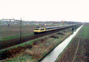 30 jaar terug: Langste reizigers trein ter wereld (video)