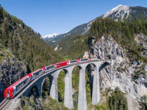 Glacier Express: 8 uur genieten van de Zwitserse bergen