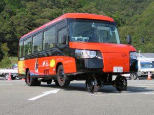 Japan komt met bussen geschikt voor spoor