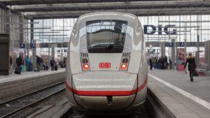 Duitse conducteur neemt corona-complotdenkers in het ootje