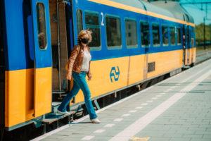 NS-stations krijgen nieuwe omroepstem