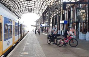 Rover en fietsersbond starten petitie tegen reserveringsplicht fiets in trein
